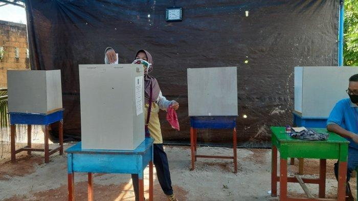 Banyak yang Masih Masuk Kerja, Diperkirakan Pemilih Pilkades Serentak Ramai ke TPS Jelang Sore Hari