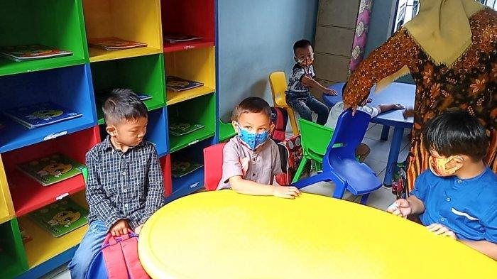 Perdana Sekolah di Tengah Pandemi Covid-19, TK Angkasa Terapkan Protokol Kesehatan