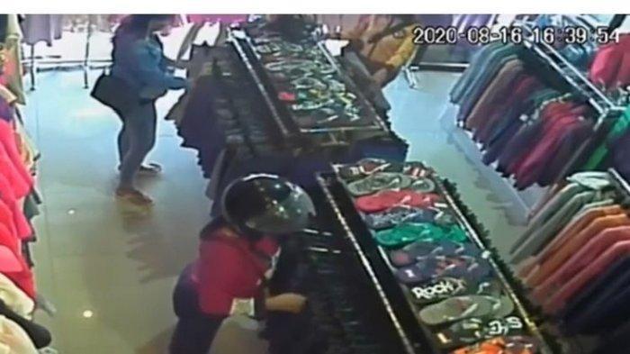 3 Perempuan Curi Celana dan Baju Terekam CCTV