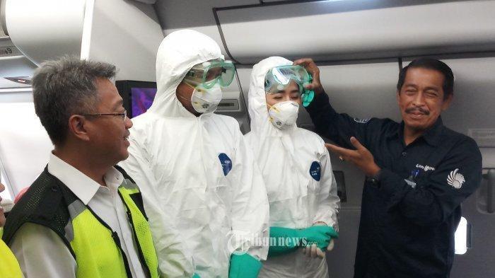 Sebanyak 245 WNI dari Wuhan Tiba di Bandara Hang Nadim Batam, Pesawat Herkules Siap Bawa ke Natuna