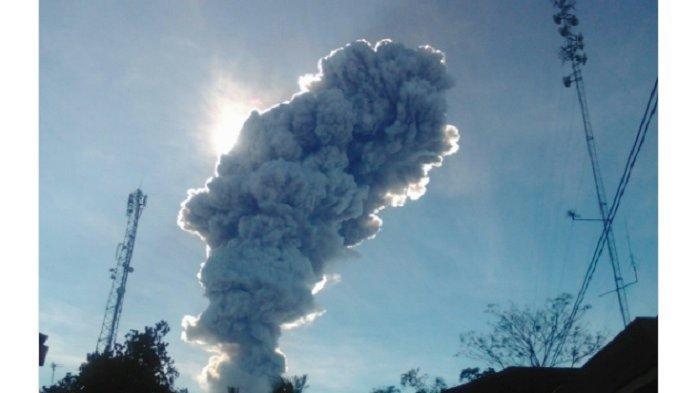 Gunung Merapi Kembali Erupsi Pagi Ini, Masyarakat Diminta Tenang dan Waspadai Hujan Abu