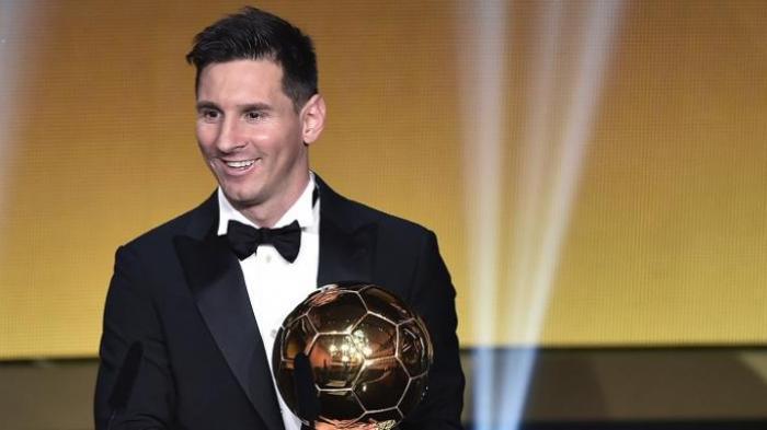 Pemain Barcelona, Lionel Messi, meraih penghargaan FIFA Ballon d'Or 2015 di Zurich, Swiss, Senin (11/1/2016) atau Selasa dini hari WIB.