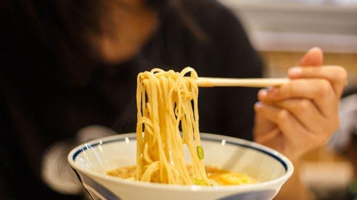Amankah Langsung Santap Mi saat Berbuka Puasa? Ini Jenis Makanan yang Dianjurkan