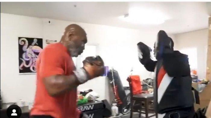Kembali dari Masa Pensiun, Berikut Jadwal Tinju Mike Tyson vs Roy Jones Jr