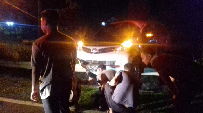 Bundaran Depan Kantor Bupati Belitung Timur Ditabrak Mobil Avanza, Begini Kondisi Pengemudi