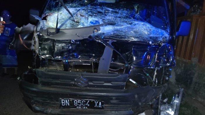 Kecelakaan di Gantung, Mobil Dinas Pemda Beltim VS Pick Up, Sekretaris DLH Luka-luka