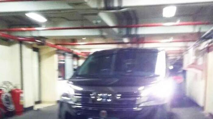 Mobil Aplhard Ini Diduga Terkait Penangkapan KPK