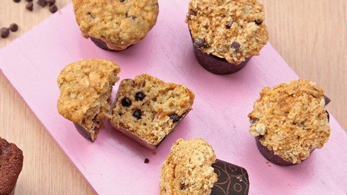Bikin Menu Sarapan yang Tampil Beda Pagi Ini dengan Muffin Oat Pisang Cokelat