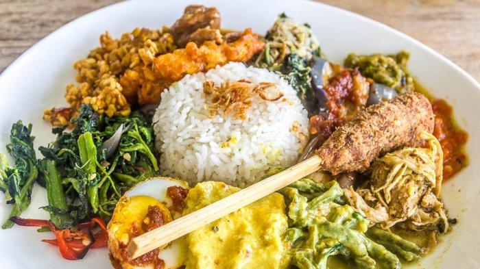6 Kuliner Khas Bali yang Bisa Dicicipi Usai Hari Raya Nyepi, Sambal Matah Segerr Banget!