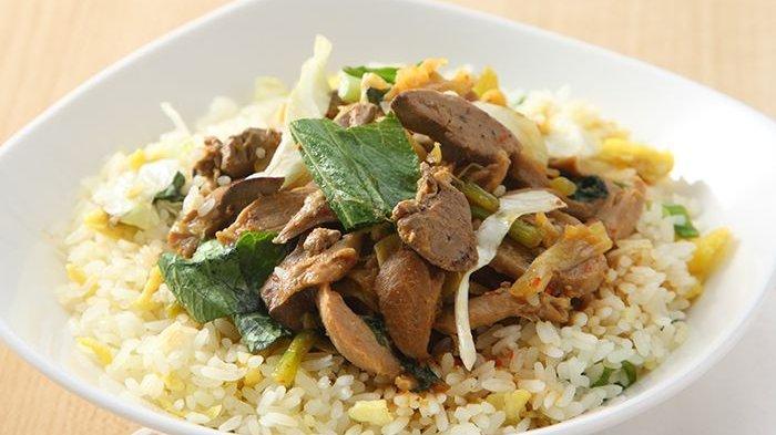 Nasi Goreng Siram yang Enak Ini Membuat Sarapan Jadi Tidak Membosankan