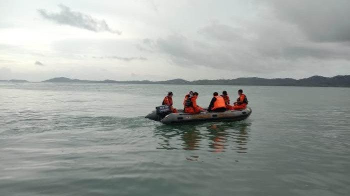 Pencarian Terhadap Kambia (51), seorang nelayan cumi yang hilang di Perairan Tanjung Sangkar Kabupaten Bangka Selatan