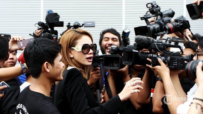 Nikita Mirzani Tak Hadir di Polda Metro Jaya, Kuasa Hukumnya Sebut Tak Pernah Terima Surat Panggilan