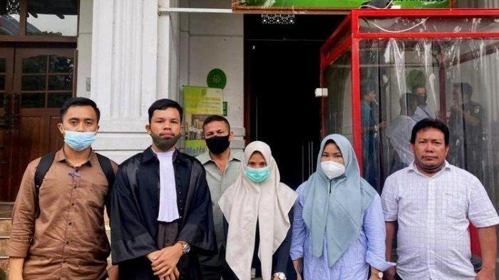 Pasien Tak Sadarkan Diri, Pegawai Apotek Diadili Gara-gara Tulisan Dokter Tak Jelas