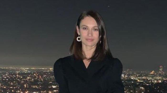 Bond Girl Olga Kurylenko Beryukur Sembuh dari Virus Corona Hanya Minum Paracetamol dan Vitamin