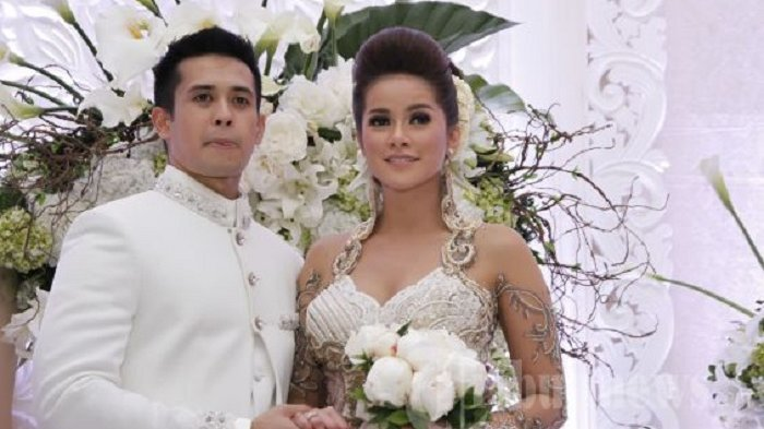 Kabar Rumah Tangga Olla Ramlan, Kok di Instagram Ia Bilang Tak Selamanya Suami Itu Setia
