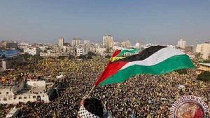Heboh! Warga Palestina Kibarkan Bendera Indonesia di Gaza, Videonya Mendadak Viral, Pertanda Apa?