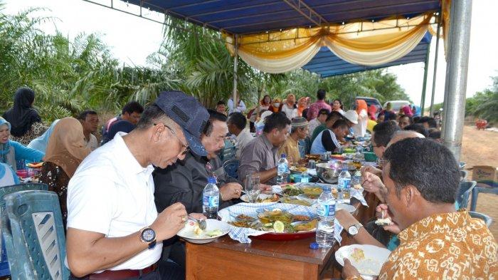 Koperasi Binaan PT Rebinmas Jaya Panen Tercepat - panen-sawit_20180226_093353.jpg