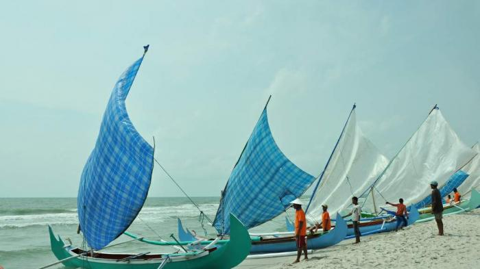 Asyiknya Februari di Belitung Timur, SaksikanTradisi Buang Jong di Laut