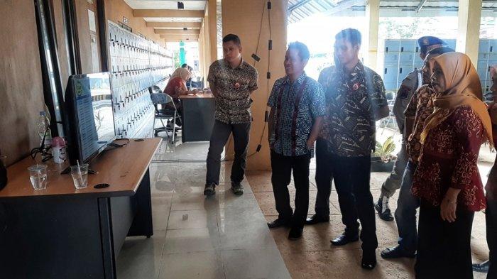 Rekannya Ikut Tes SKD, Pegawai BKPSDM Belitung Timur Cemas Lihat Papan Live Scoring