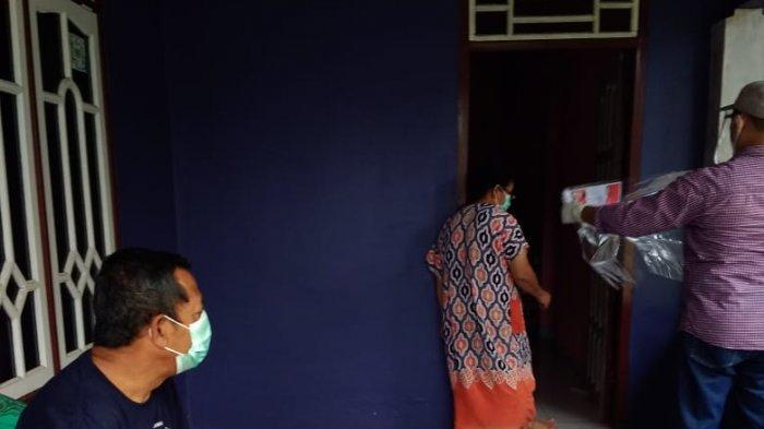 Dua Pasien Covid-19 di Belitung Timur Gunakan Hak Pilih Secara Prosedur Ketat - pasein-covid-19-beltim-nyoblos-01.jpg