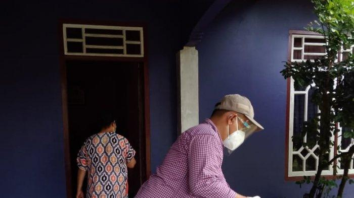 Dua Pasien Covid-19 di Belitung Timur Gunakan Hak Pilih Secara Prosedur Ketat - pasien-covid-19-beltim-nyoblos-04.jpg