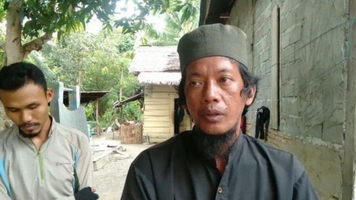 Cerita Rusli, Sang Pawang yang Bergulat dengan Buaya 5 Meter dan Anaknya di Mamuju Tengah