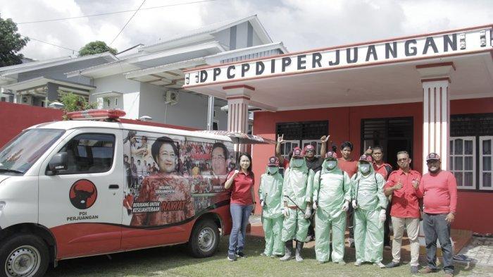 PDI Perjuangan Belitung Semprot Disinfektan