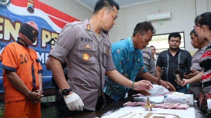 Pedagang Batagor Tipu Korbannya dengan Uang Palsu dan Emas Harta Karun Soekarno dari Bank Swiss