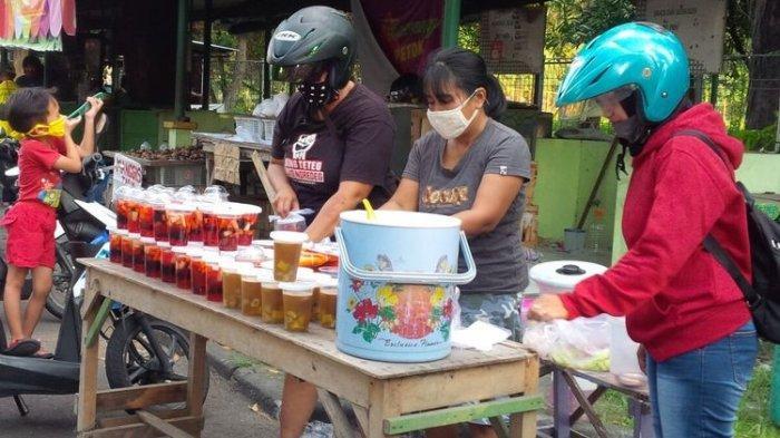 Wali Kota Tangerang Minta Penjual Takjil Pakai Masker dan Sarung Tangan