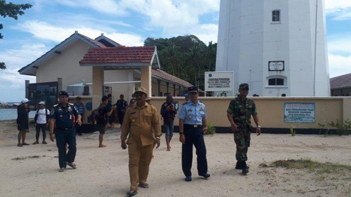 Bupati Belitung, Wakil Bupati Belitung dan Forkominda Tinjau Pulau Lengkuas Pasca Kecelakaan Laut