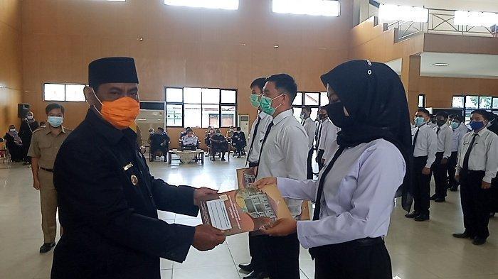 Lantik 160 CPNS Formasi 2019,Bupati Belitung Ingatkan Kalau Cari Kaya Jangan Jadi PNS Jadi Pengusaha