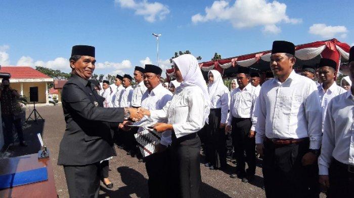 Bupati Yuslih Lantik 74 Anggota BPD Tahap Pertama