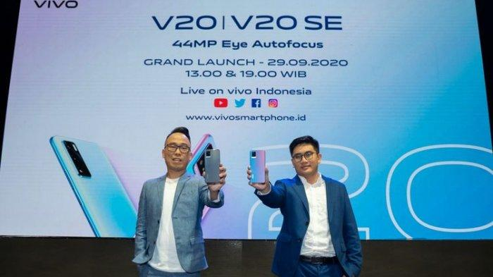 Kiri-kanan: Ricky Bunardi, Senior Product Manager Vivo Indonesia dan Edy Kusuma, Senior Brand Director Vivo Indonesia di acara peluncuran Vivo V20 dan V20 SE, Selasa (29/9/2020).