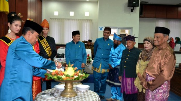 Rapat Paripurna Istimewa DPRD HJKT ke-180, Pembangunan Belitung Sudah Sesuai Rencana