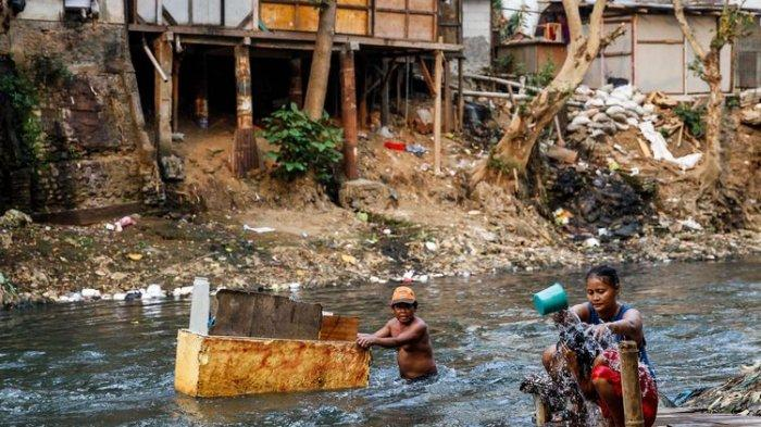 Penduduk Miskin RI Melonjak, Bisa Capai 37,9 Juta Orang Akibat Corona
