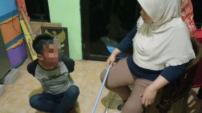 Pencuri Bernasib Sial, Dipukul dengan Sapu oleh Emak-Emak, Gagal Bawa Kabur Motor