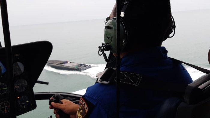 DERETAN Fakta Kapal 'Hantu' Penyelundup Miras, Dikejar Pakai Helikopter Polda Babel, Lalu Ditangkap