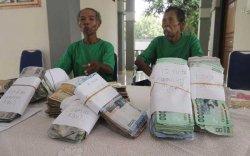 Pengemis Ini Kerap Minta Uang Untuk Tiket Ketika Digeledah Hasilnya Mengejutkan