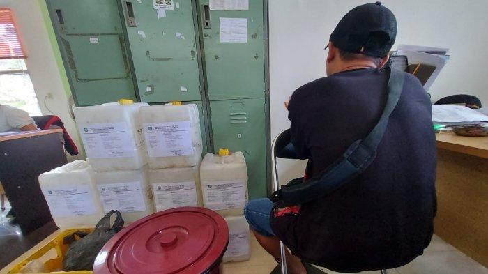 Pemilik Warung Kopi Manggar Kedapatan SImpan 20 Liter Arak, Bakal Disidang Kamis Besok