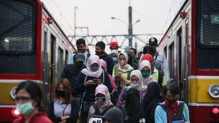 Stasiun Bogor Kembali Padat pada Senin Pagi, Antrean Penumpang KRL Mengular