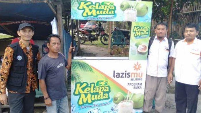 LAZISMU Belitung Salurkan Bantuan Gerobak Untuk Amir Penjual Es Kelapa