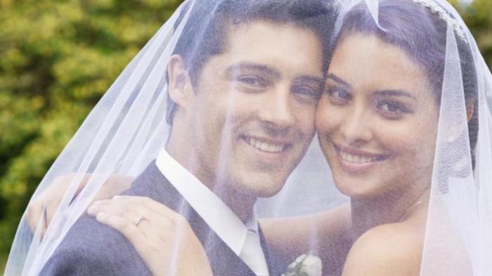 Istri Tercengang Lihat Isi Flashdisk, Alasan Suami Tak Menyentuhnya Selama 2 Menikah Tahun Terungkap