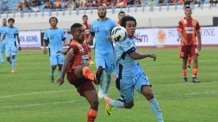 Hatrik Dzumafo Bawa Persela Libas Gresik United