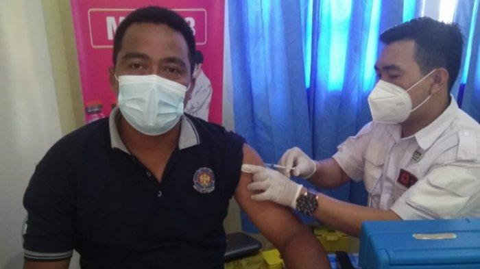 25 Personel BPBD Belitung Timur Divaksinasi Dosis Pertama di Puskesmas Manggar