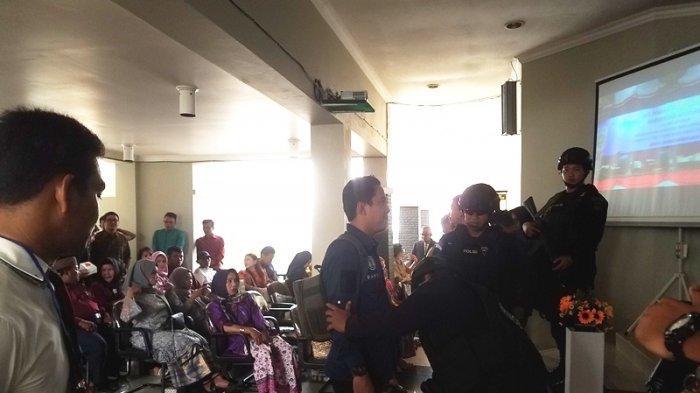 Media Dilarang Masuk di Acara Pelantikan Anggota DPRD Belitung