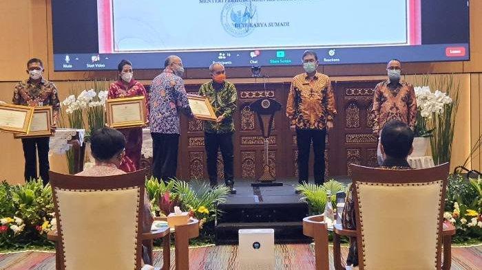 Wali Kota Pangkalpinang Berhasil Raih Penghargaan dari Menteri Perhubungan
