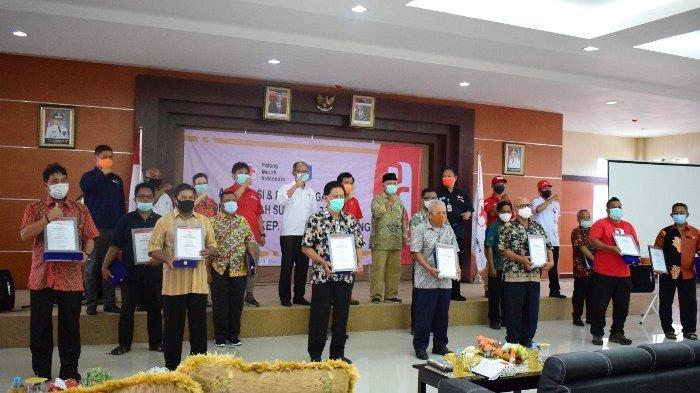 Penyerahan apresiasi dan penghargaan kepada pendonor di Gedung UPT Dinas PUPR Bangka Belitung, Jalan Ahmad Yani, Jalan Ahmad Yani, Tanjungpandan, Sabtu (3/10/2020).