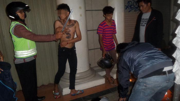 Remaja Dikejar Polisi: Ampun Pak, Jangan Ditembak
