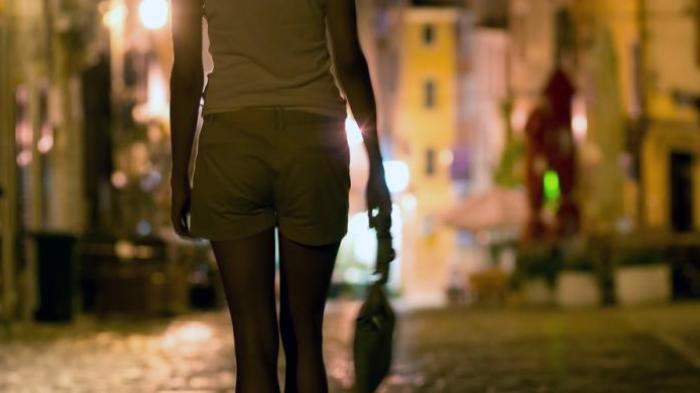 Ditelantarkan Suami, Ibu Muda Asal Medan ini Layani Jasa 'Mantap-Mantap' demi Biayai Anaknya