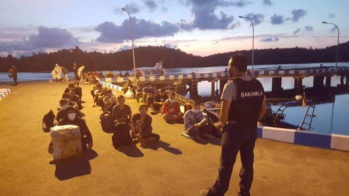47 TKI Ilegal Diamankan Bakamla Saat Masuk Batam dari Malaysia Lewat Pelabuhan Tikus di Nongsa